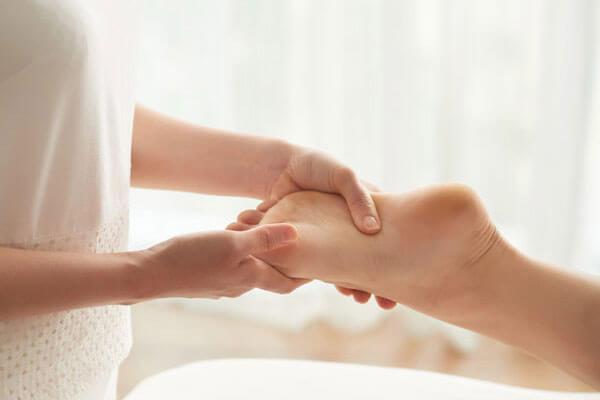 TE.AM Apotheken Anmessen von Kompressionsstrümpfen Fuß Hand
